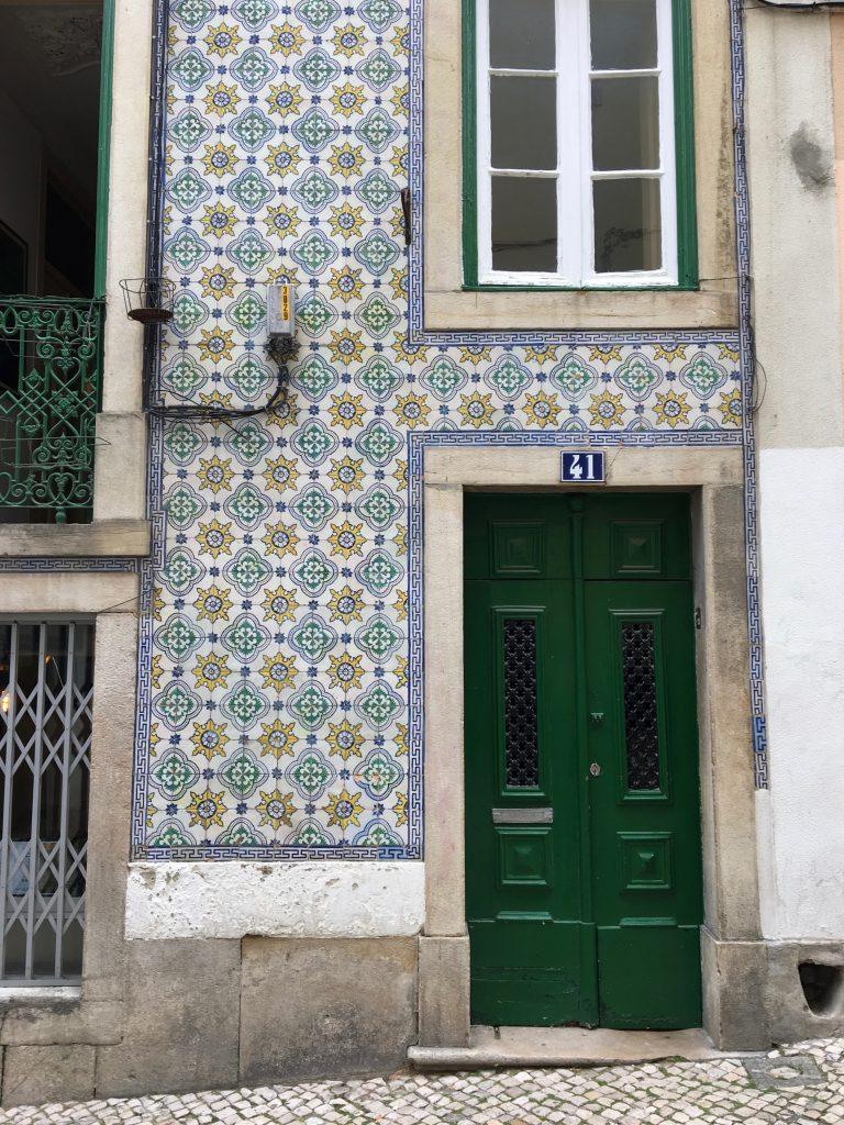 Betegelde huizen Lissabon